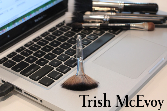 Trish McEvoy 62 Fan Brush
