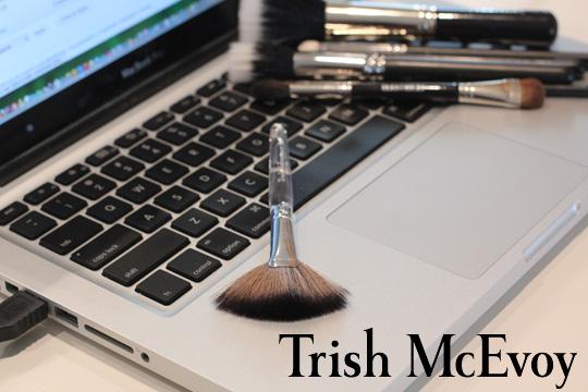 Trish McEvoy 62 Fan Brush