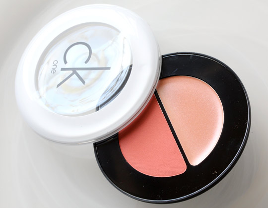 CK One Color Happiness Cream Powder Blush Duo 1