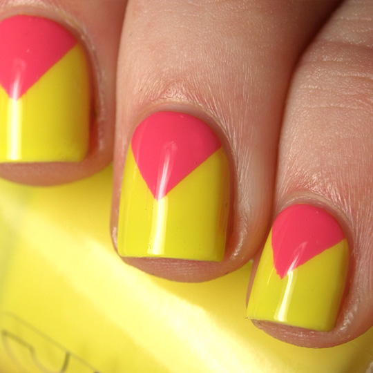 Chevron nails are trending up for summer and theyre easier than chevron nails 1g solutioingenieria Image collections
