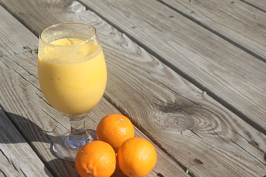 Tangerine Mango Smoothie
