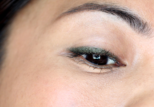 too faced perfect eyes perfect moss closeup