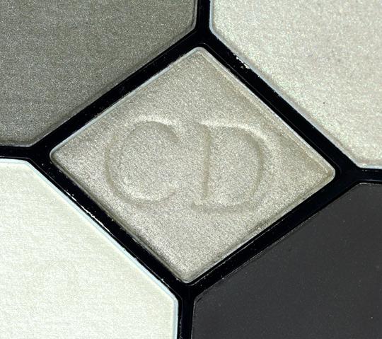 dior khaki design