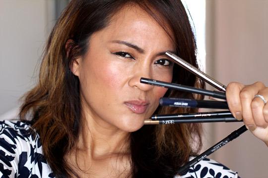 eyeliner makeup tip