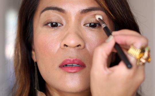 khaki eye makeup tutorial 1