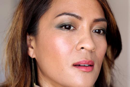 khaki eye makeup tutorial side
