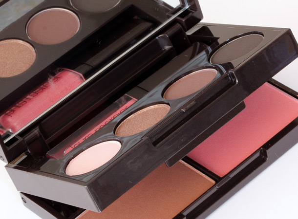 Laura Mercier Colour-to-Go Portable Palette for Eyes, Cheeks & Lips in Warm Neutrals