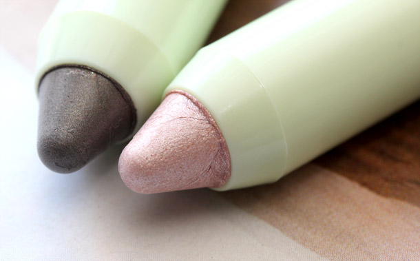 pixi lid last shadow pen duo in good morning eyes tips closeup
