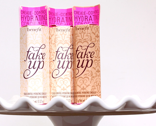 Benefit Fakeup Hydrating Crease-Control Concealer packaging