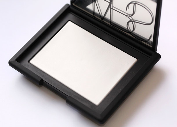 nars translucent crystal pressed