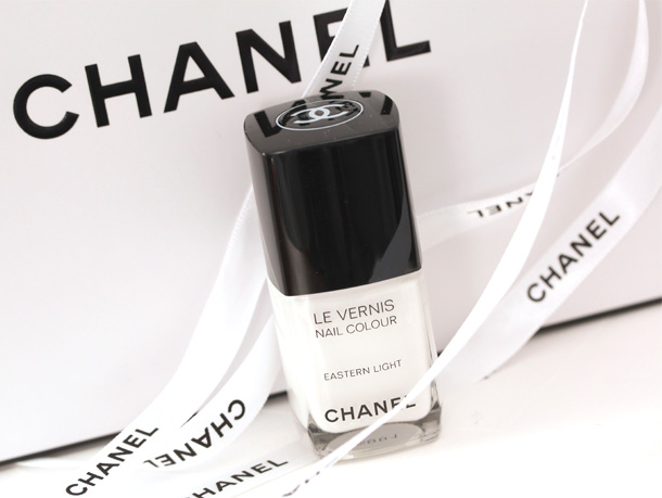 Chanel Eastern Light Le Vernis Nail Colour Picture Swatch 2