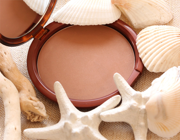 Estée Lauder Bronze Goddess Powder Light