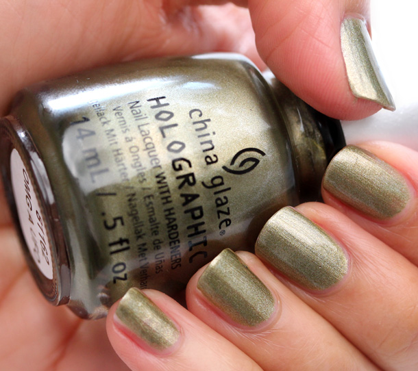 China Glaze Hologlam in OMG A UFO