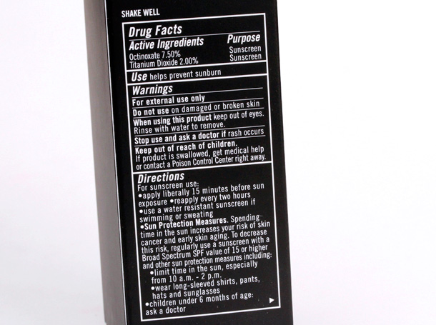 MAC Mineralize Moisture SPF 15 Foundation box with drug facts