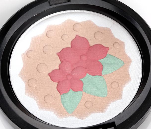 MAC Baking Beauties closeup