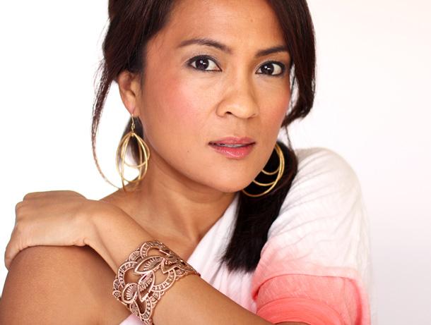 Sonia Kashuk Chic Luminosity Bronzer/Blush Duo in Glisten