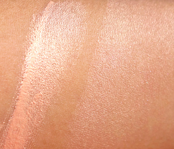 Tom Ford Beauty Escapade Swatches unblended on the left and blended on the right