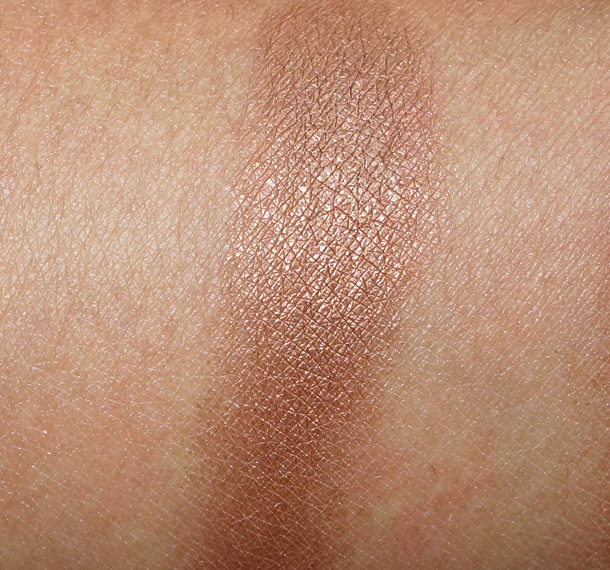 MAC Bronze Eye Shadow Swatch