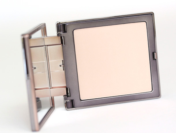 Urban Decay Naked Light Naked Skin Ultra Definition Pressed Finishing Powder