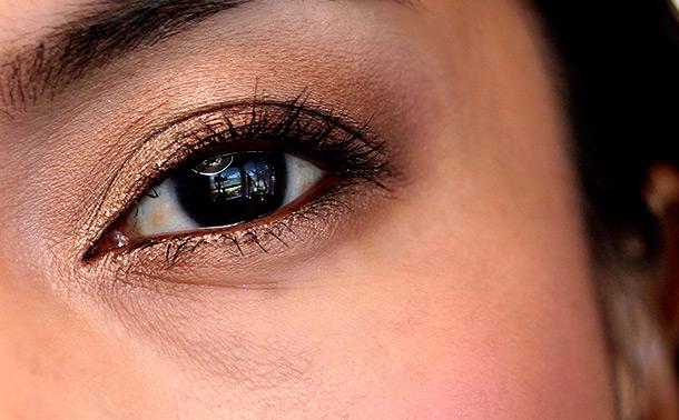 Rihanna Hearts MAC: Her Cocoa Eye Shadow X 4