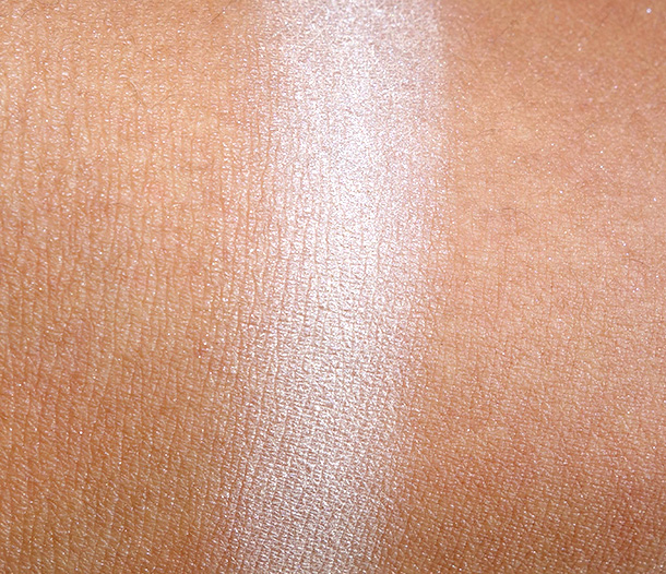 Benefit Luv It Up Call My Buff Swatch
