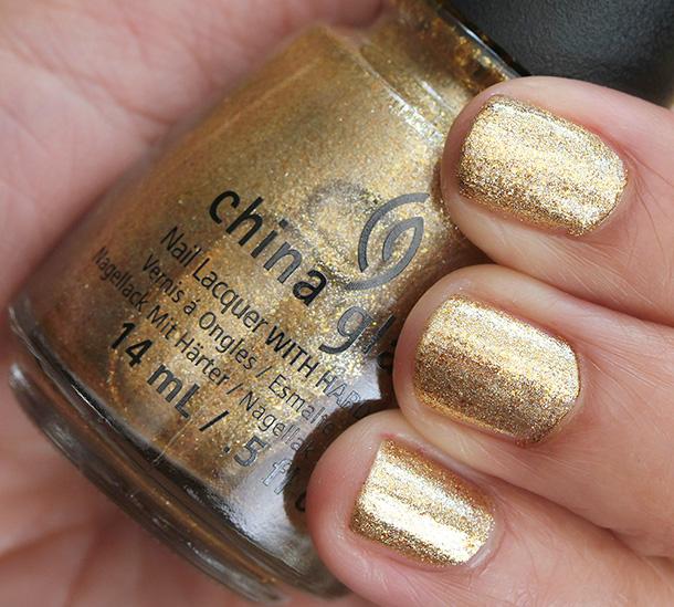 China Glaze Happy HoliGlaze Collection: Mingle With Kringle