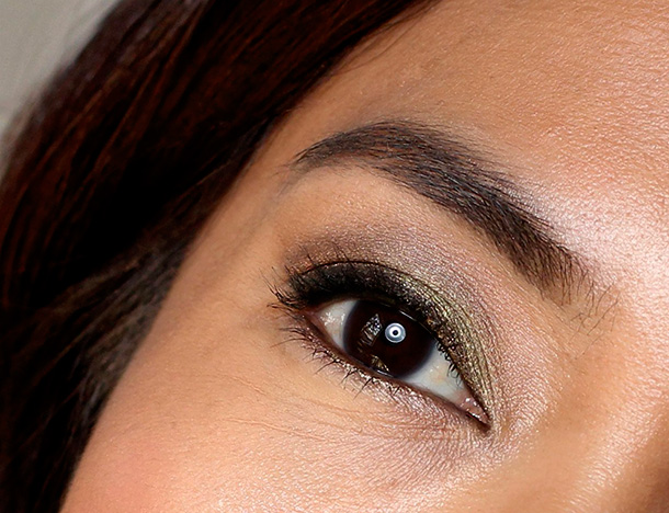 Too Faced Be Merry Be Bright Eye closeup