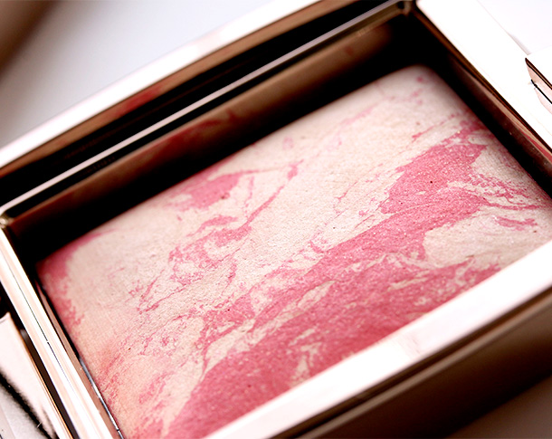 Hourglass Diffused Heat Ambient Lighting Blush closeup