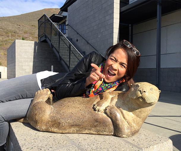 Chillin' wtih a sea otter statue at The Marine Mammal Center