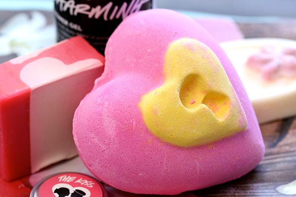 Lush Love Locket Bath Bomb