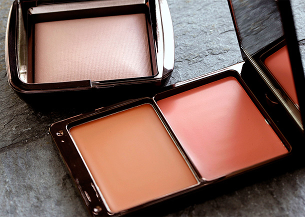 Houglass Illume Creme to Powder Duo in Sunset and Ambient Powder in Mood