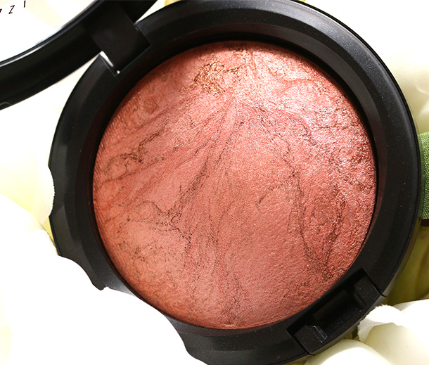 MAC Stereo Rose Mineralize Skinfinish, a coppery bronze