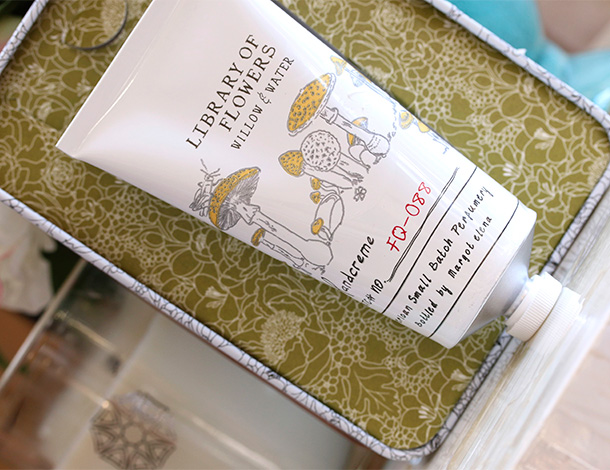 Library of Flowers Willow & Water Coco Butter Handcreme