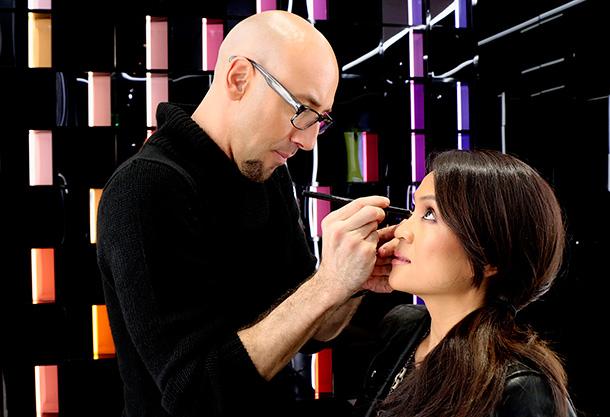 Mac Pro Makeup Artist Saubhaya