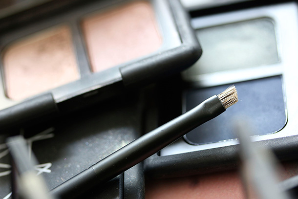 NARS Brow Defining Brush 48