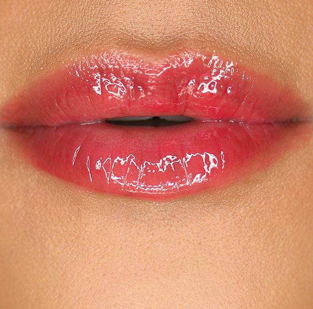 Tarte LipSurgence Lip Gloss True Love Lip Swatch
