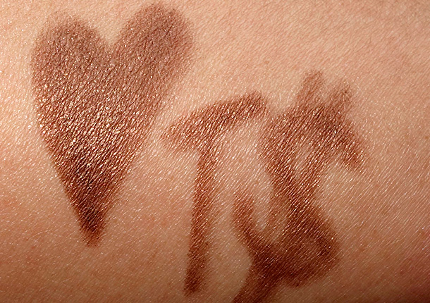 MAC Sharon Osbourne Bountiful Brown Swatch
