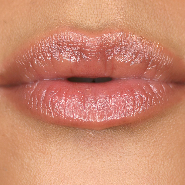 MAC Sharon Osbourne French Kiss Patentpolish Lip Pencil Swatch