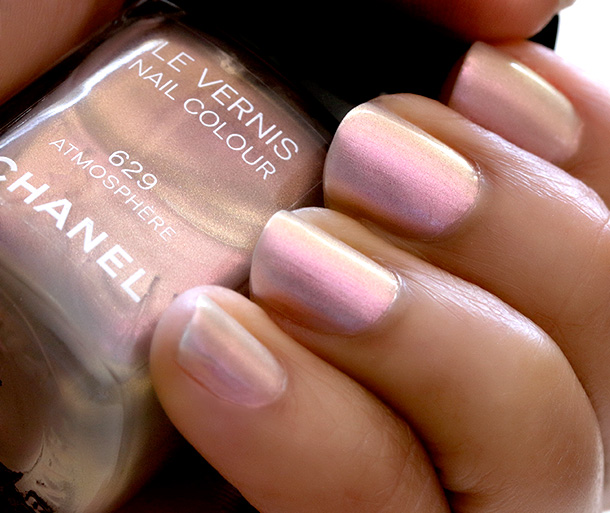 Chanel Atmosphere Swatch