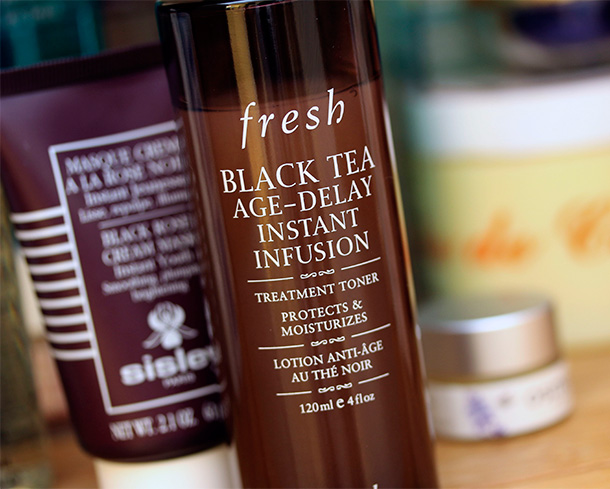 Fresh Black Tea Age-Delay Instant Infusion Treatment Toner