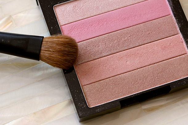 Revlon Rose Glow 02 Highlighting Palette (4)
