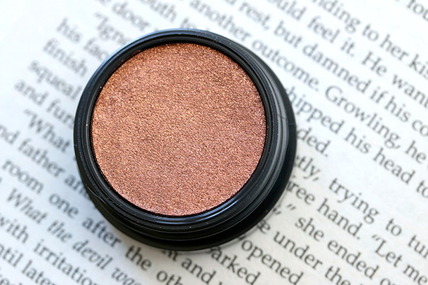 MAC Electric Cool Eye Shadow in Coil