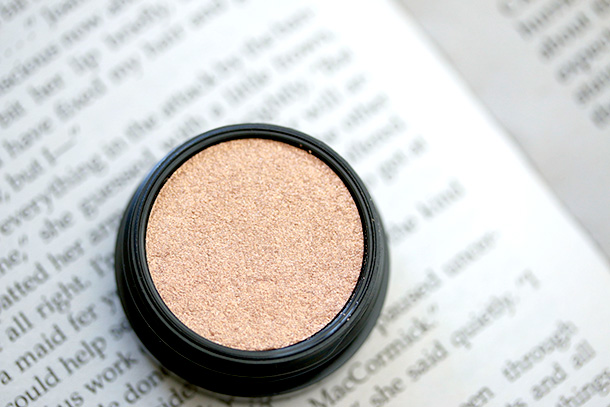 MAC Electric Cool Eye Shadow in Gilded Thrill