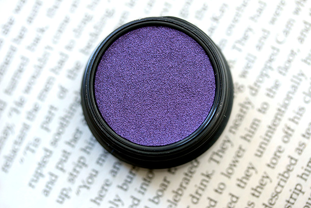 MAC Electric Cool Eye Shadow in Highly Charged