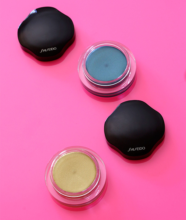 Shiseido Shimmering Cream Eye Colors in YE216 Lemoncello and BL620 Esmaralda