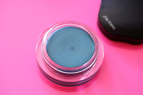 Shiseido Shimmering Cream Eye Color in BL620 Esmaralda