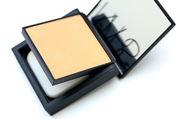 NARS All Day Luminous Powder Foundation packaging