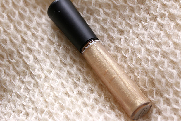 MAC Mineralize Glass in On Cue