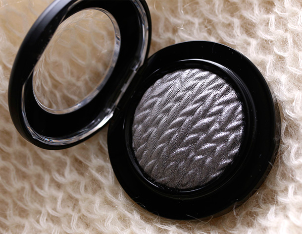 MAC Mineralize Eye Shadow in Uninhibited