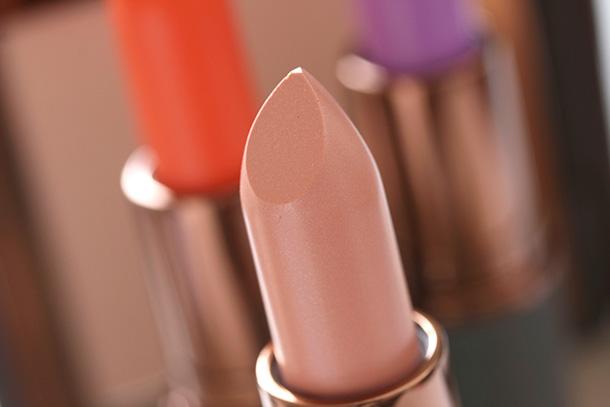 MAC Lustre Lipstick in Romantic Breakdown